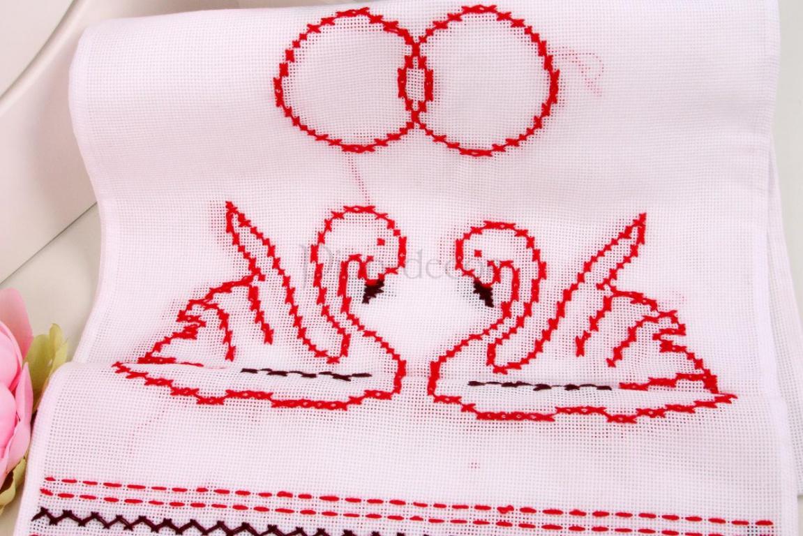 Вышивка лебеди на рушниках 20