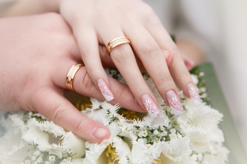 Тенденции классического свадебного маникюра 2017 года