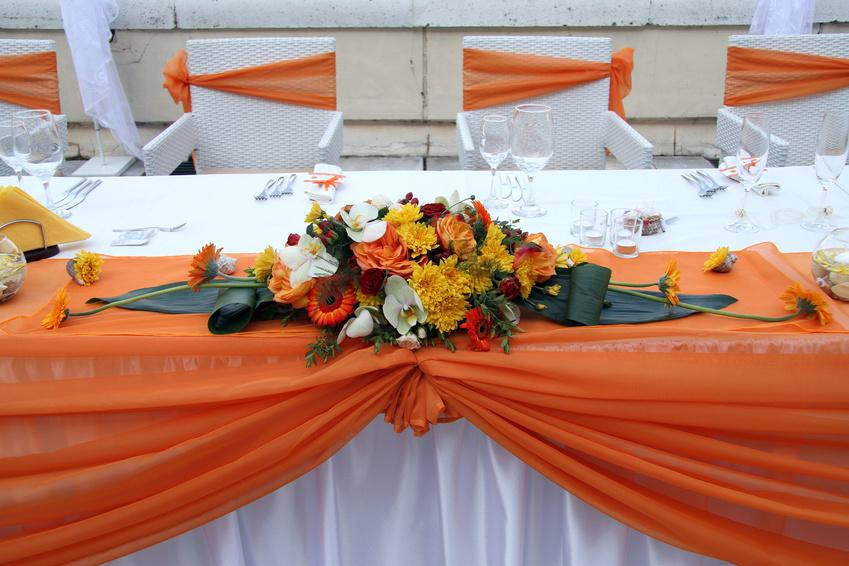 Оформление свадебного стола для молодоженов своими руками фото 529