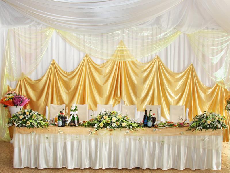 Оформление свадебного стола для молодоженов своими руками фото 723
