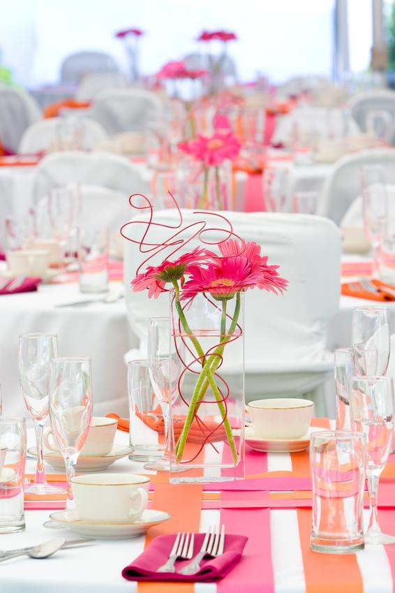 Сервировка свадебного стола жениха и невесты