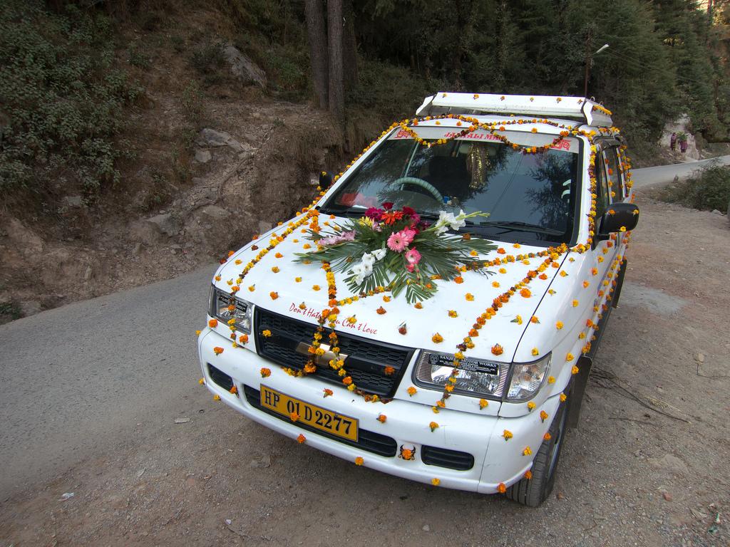 Украшения для свадебного авто своими руками