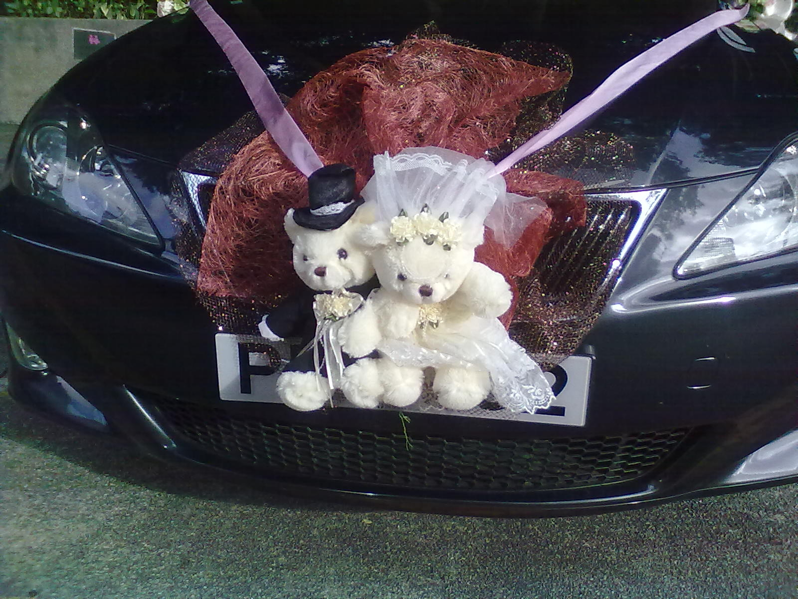 Свадебные мишки - элемент украшения машины
