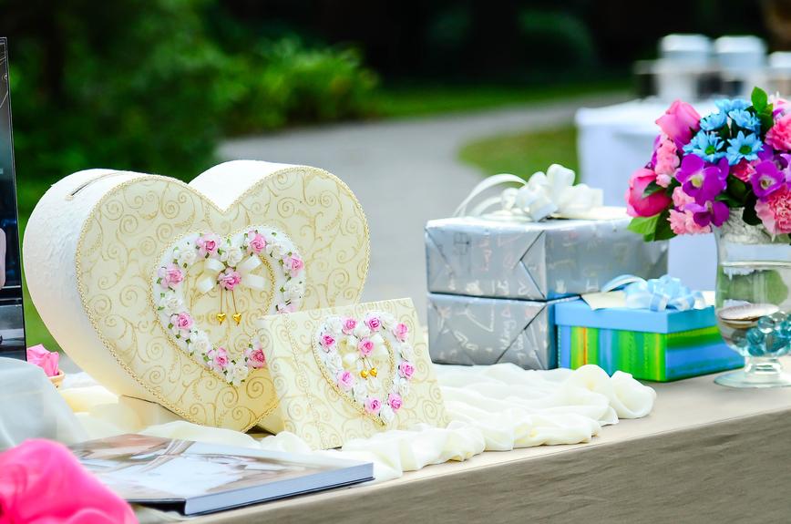 Фото подарков на свадьбу 561