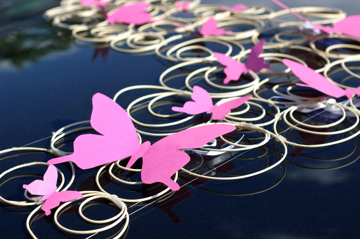 Оформление свадебных машин бабочками