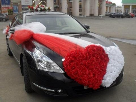 оформление свадебных машин лентами и цветами