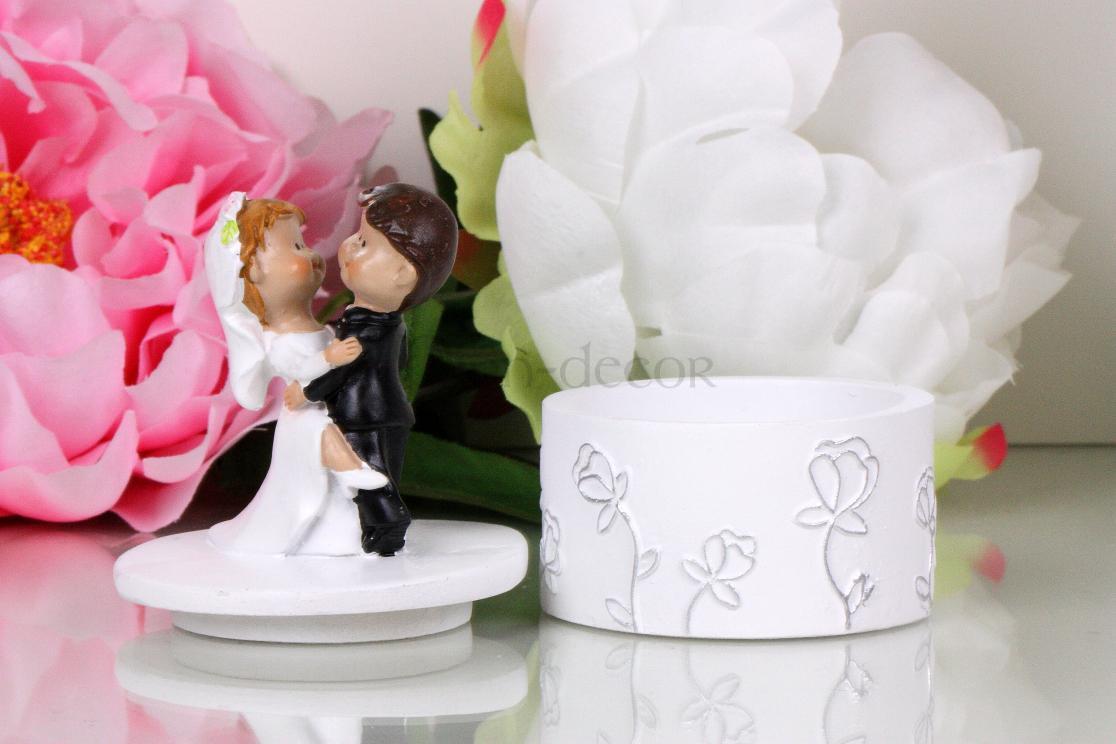 подставка для колец - фигурки жениха и невесты