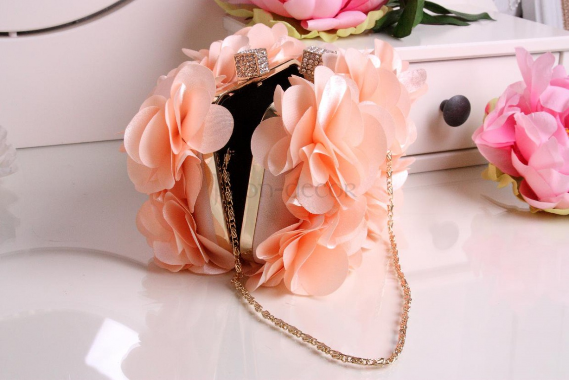Сумочки для невесты персикового цвета