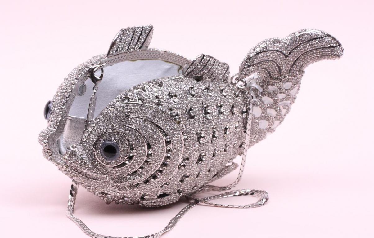 Свадебная сумочка в виде рыбки со стразами