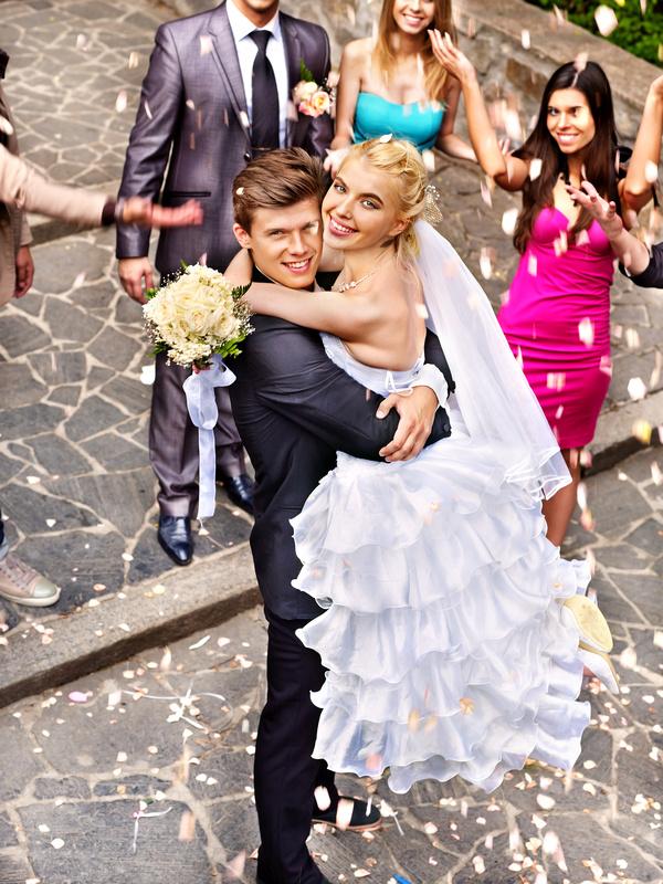 Свадебные хлопушки, конфетти и фейерверки