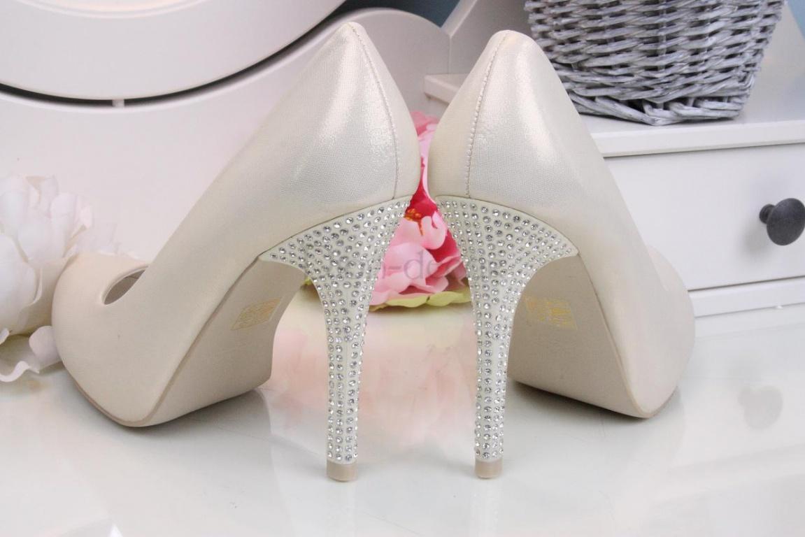 f506b6026 Свадебные туфели 2017 года - модный обзор от салона «Пион-декор»