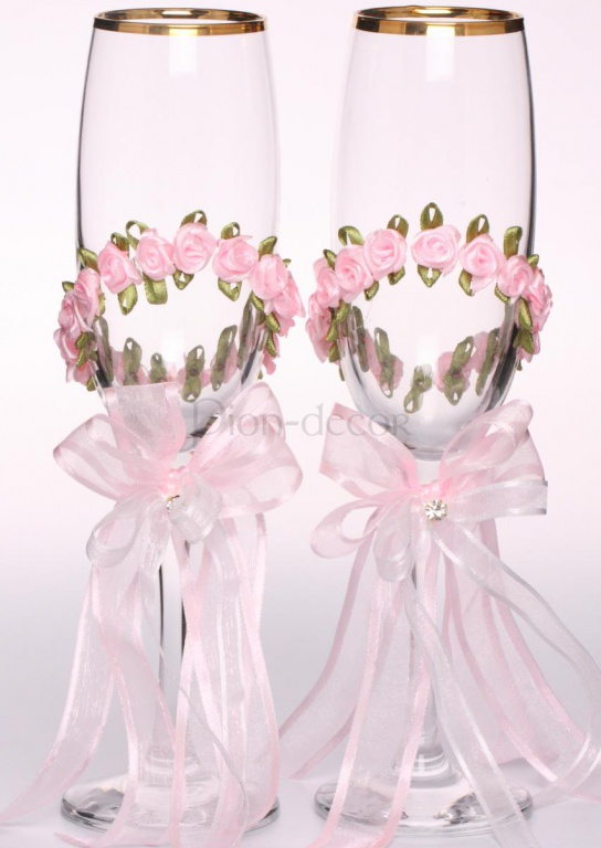 Оформление свадебных бокалов лентами