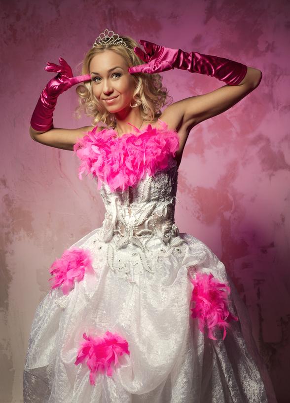 Яркие и необычные свадебные перчатки
