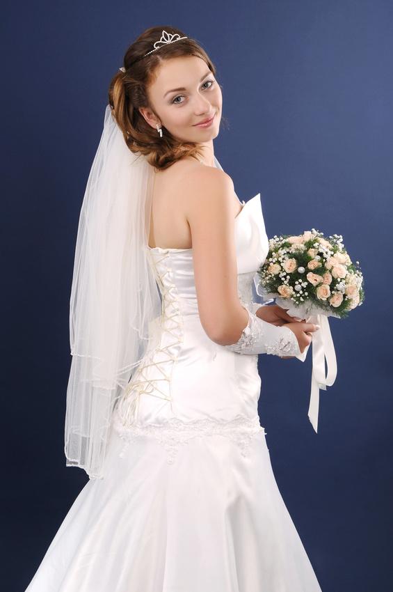 Украшение прически невесты - диадема-корона