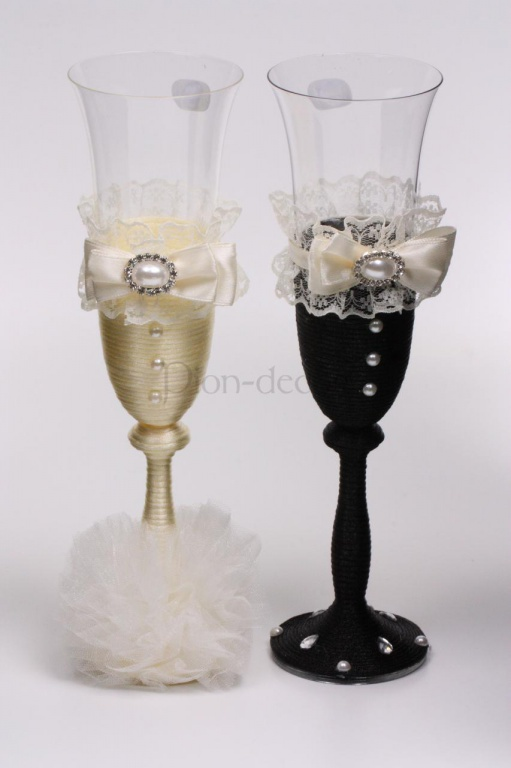 Украшение свадебных бокалов - жених и невеста
