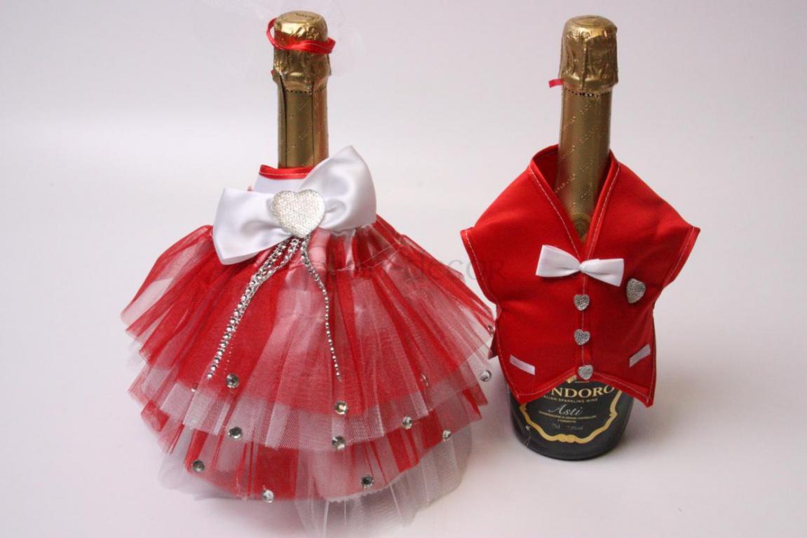 Украшение свадебного шампанского - Костюмы и платье молодоженов