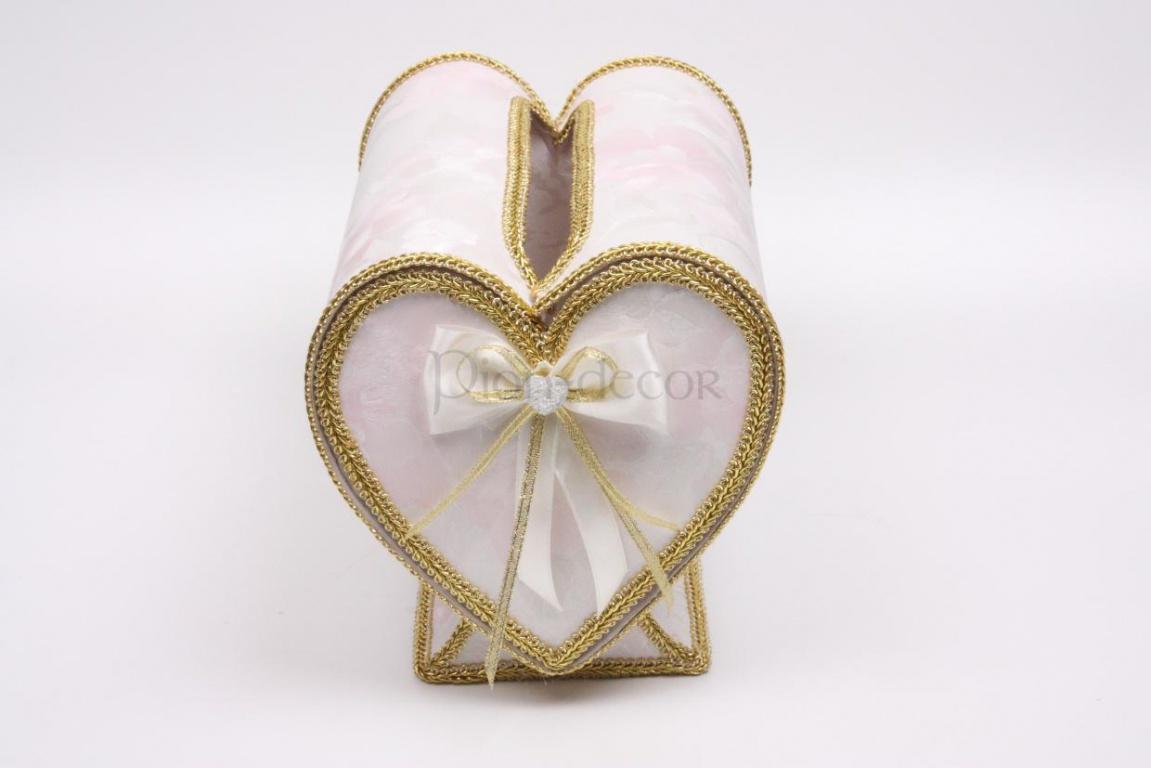 Свадебный сундучок в форме сердца