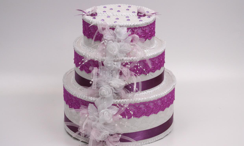 Коробка для конвертов и открыток, выполненная в виде свадебного торта